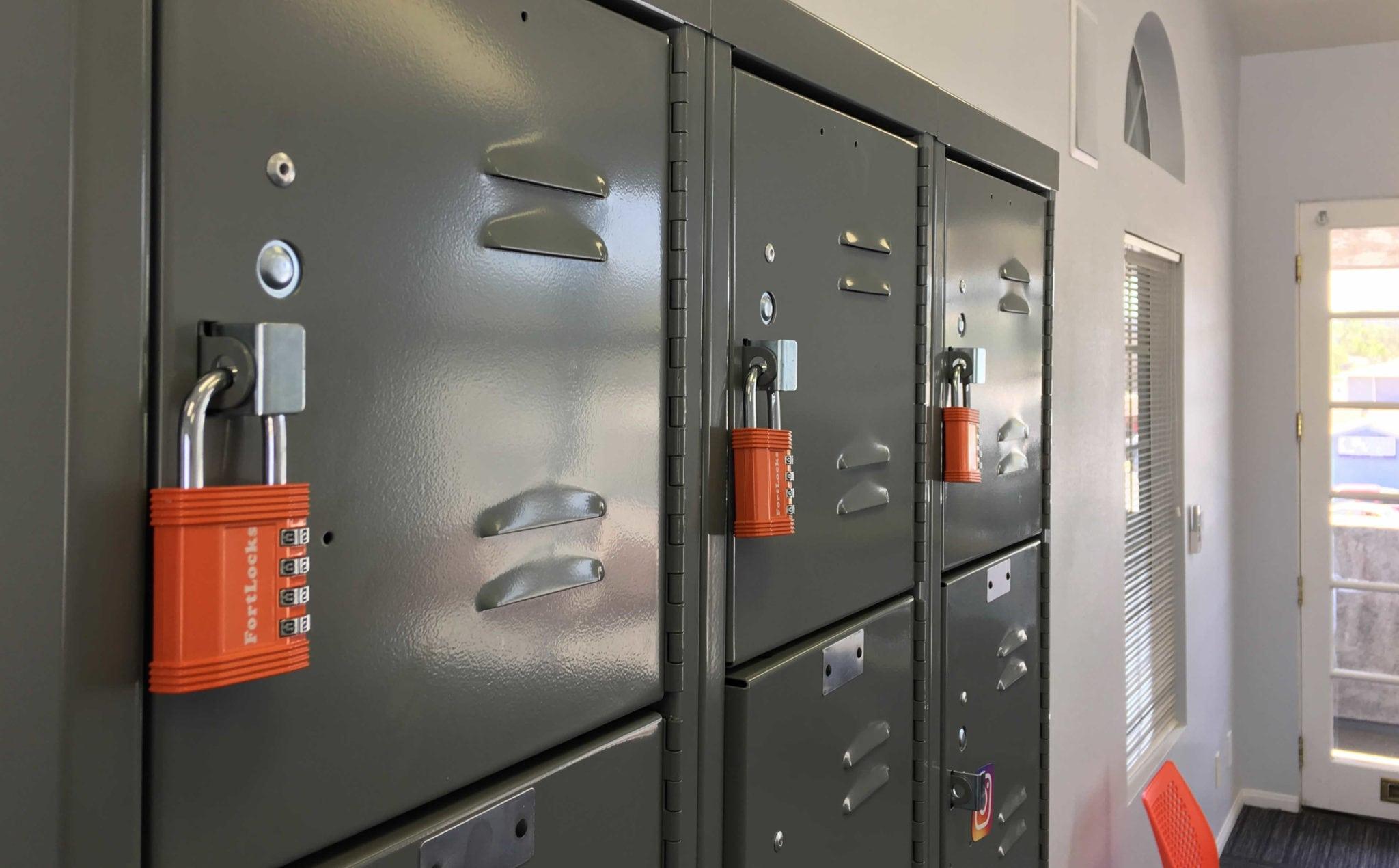 lockers3